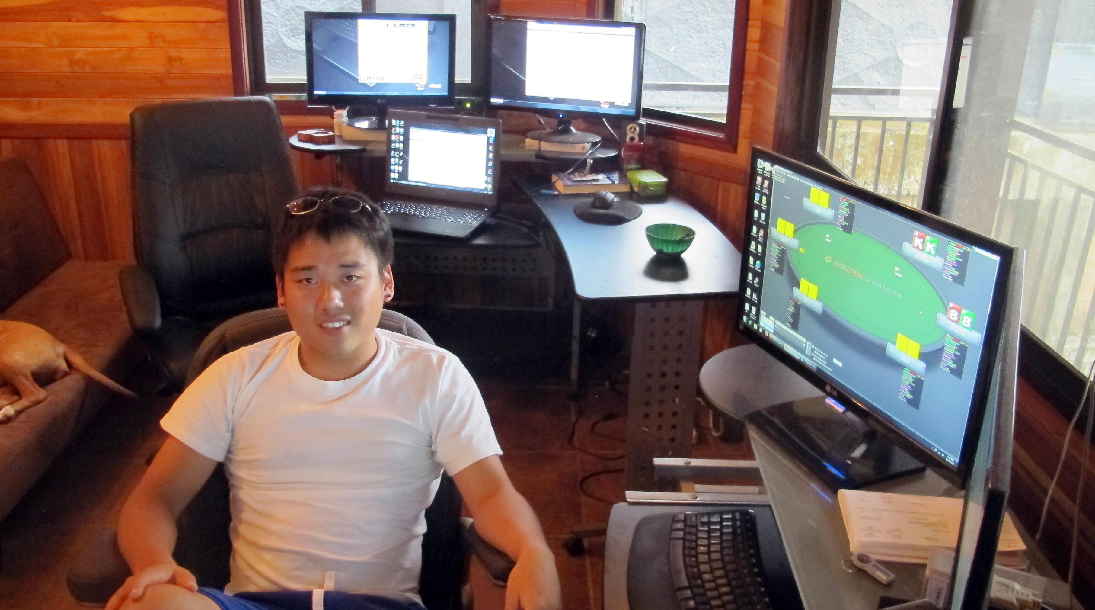 Newsela | PRO/CON: Permitting online gambling
