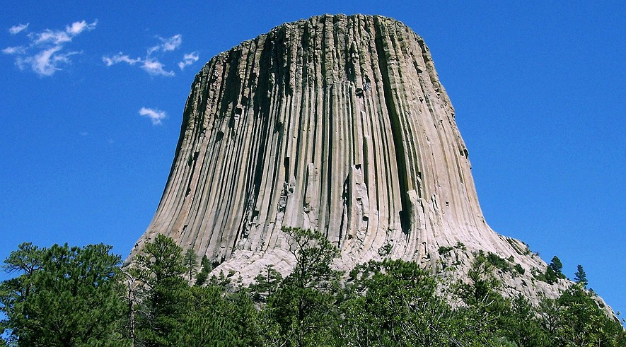 devils tower single girls Devils tower trading post operates in a tourism  park county has so far submitted only a single official comment form, but the devils tower controversy rallied .
