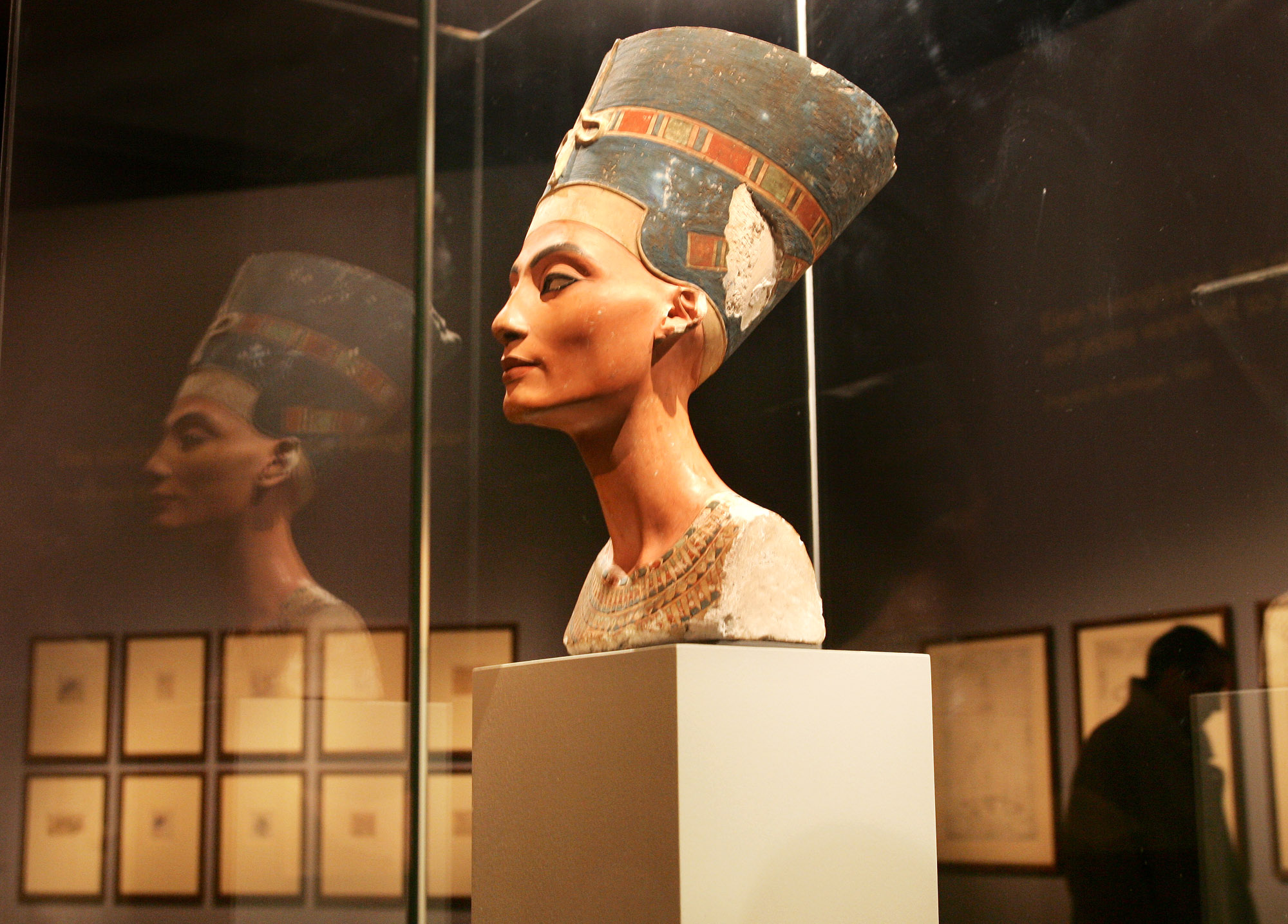 The Curse Of King Tuts Tomb Torrent: Is An Egyptian Queen Buried Behind A Secret Door